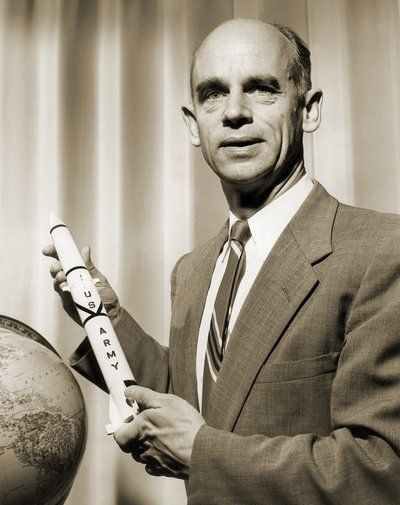 ernst_stuhlinger_german_rocket_scientist.jpg (400×505)