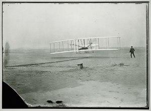 莱特兄弟的第一次飞行,12月17日,1903。