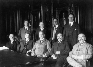 The first meeting of the main committee of the NACA in 1915.